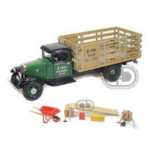 1934 Ford BB 157 Stake Bed Truck 1/24 Green Toys & Games