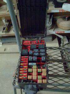 02 FORD EXPEDITION FUSE BOX